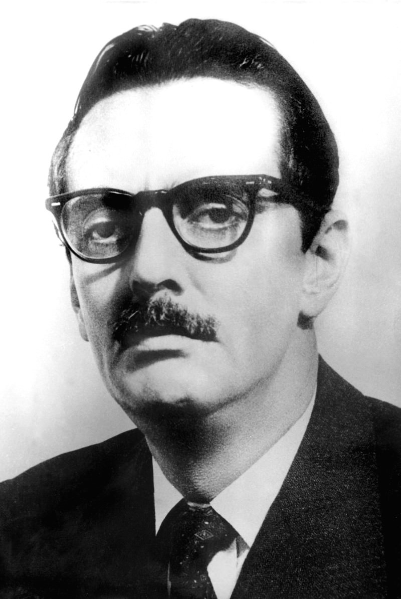 O presidente Jânio Quadros assinou a única lei que regulamentou a hipnose no Brasil em 1961