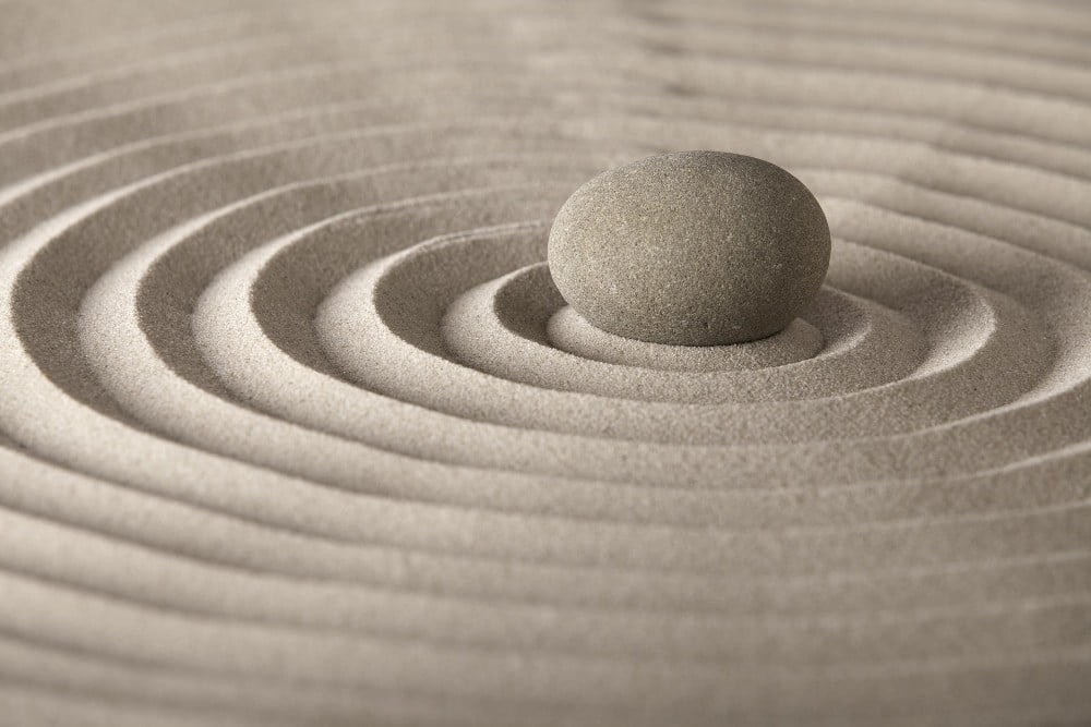 Auto-hipnose não é o mesmo que meditação.